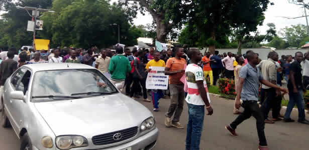 benue-youths-block-ortom-from-meeting-APC-leaders-in-abuja