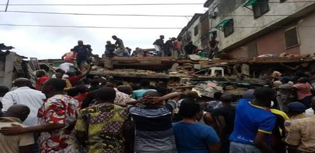 collapsed-three-storeyed-shopping-complex