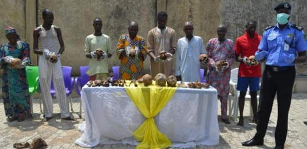 Abuja police today paraded 8 suspected ritual killers and body part dealers.