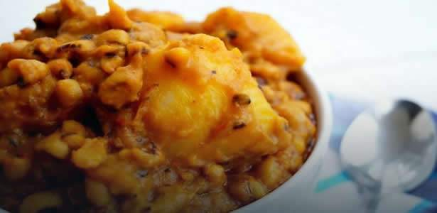 How to prepare Nigerian beans and yam porridge